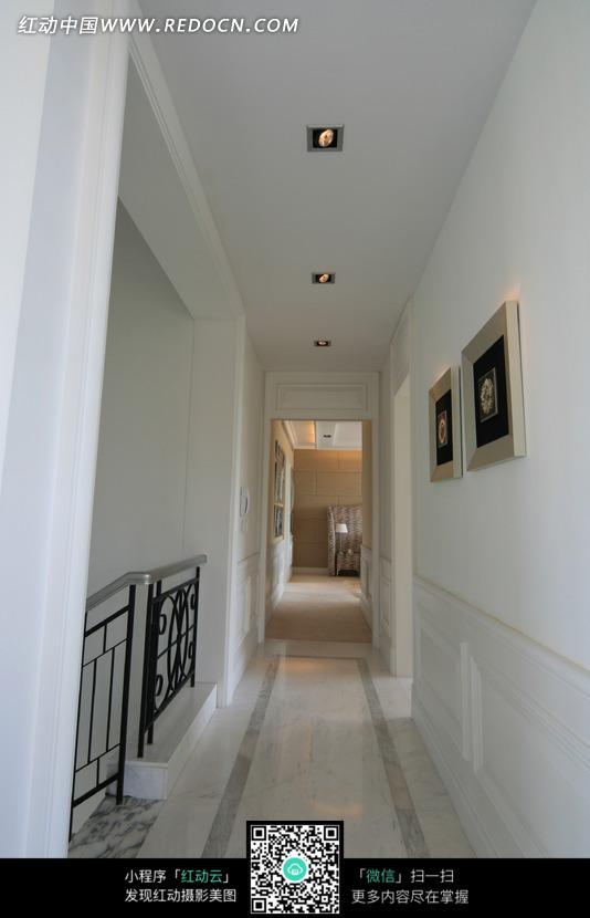 别墅二层走廊效果图图片_室内设计图片