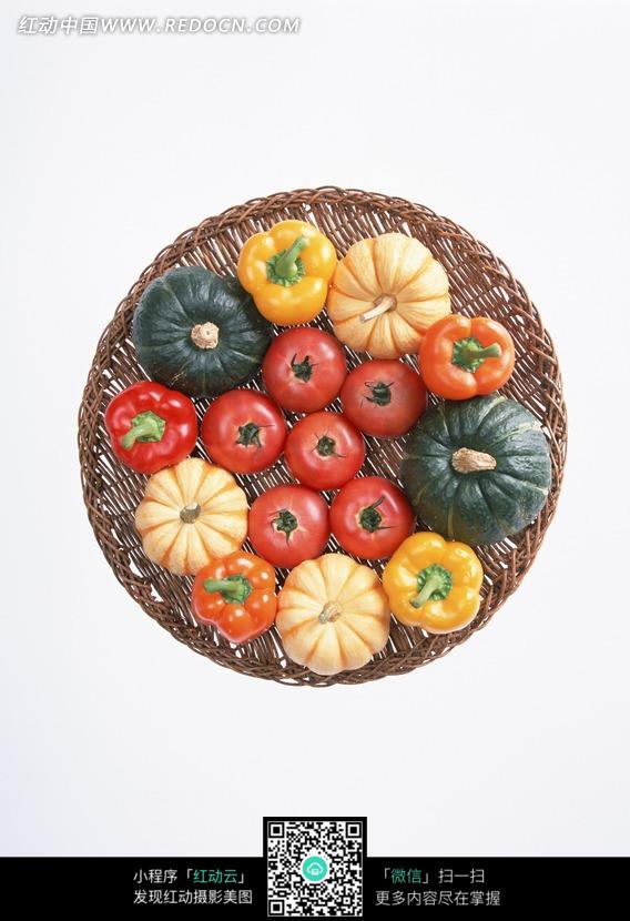 一筐蔬菜俯视图