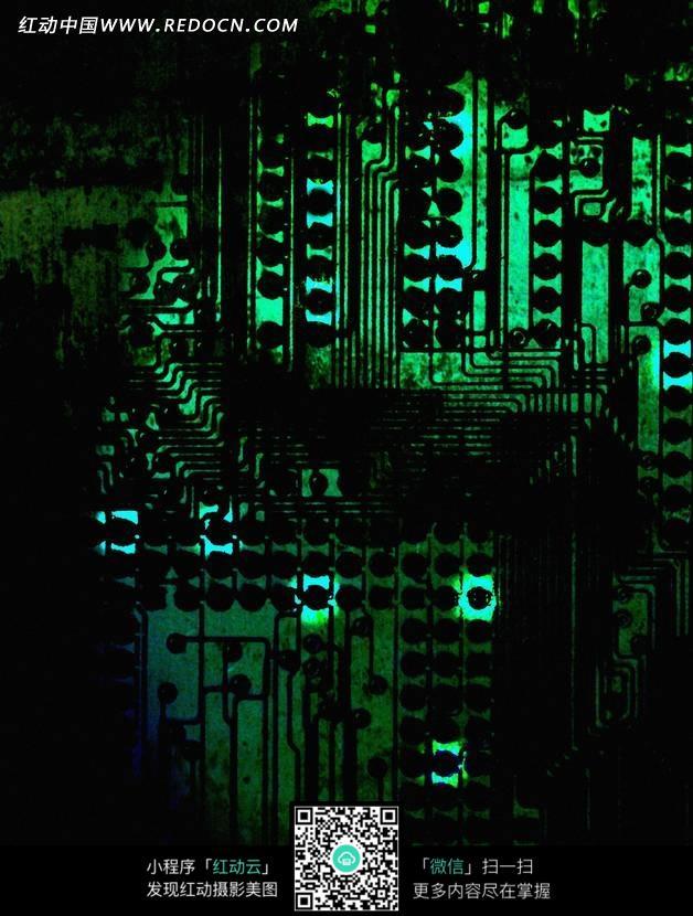 电子元件和人物模型 集成电路板电子元件 各种型号的电子元件 电子