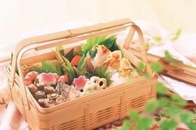精致美味的日式午餐盒饭