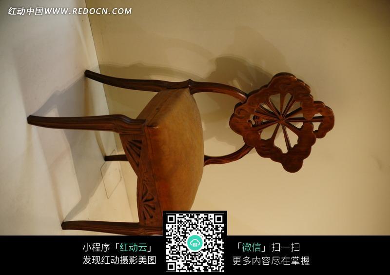 欧式花纹椅子图片