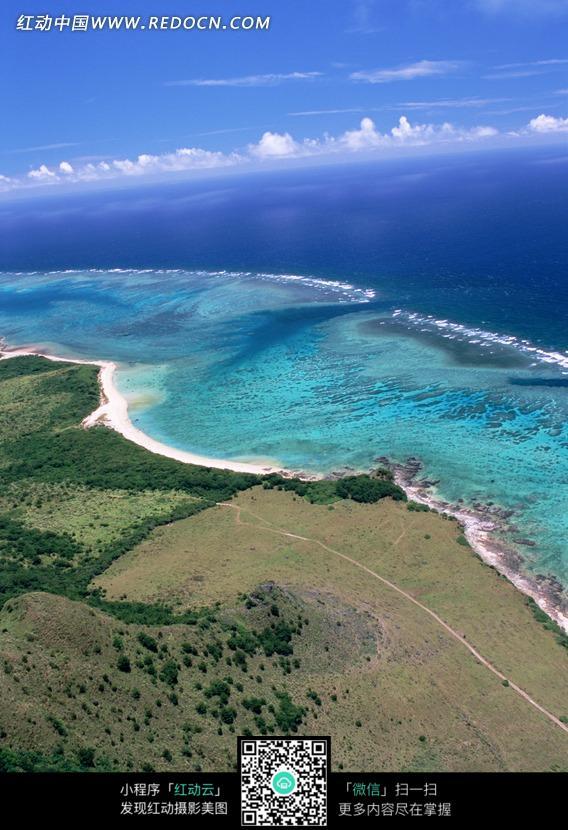 免费素材 图片素材 自然风光 自然风景 海岸蔚蓝的浪水  请您分享