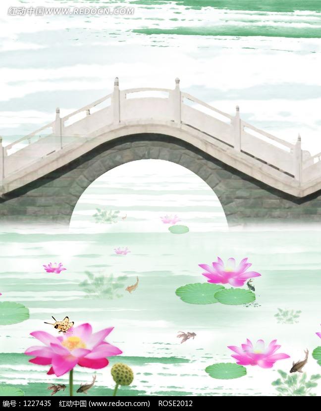 拱桥和池塘里的荷花水墨画图片