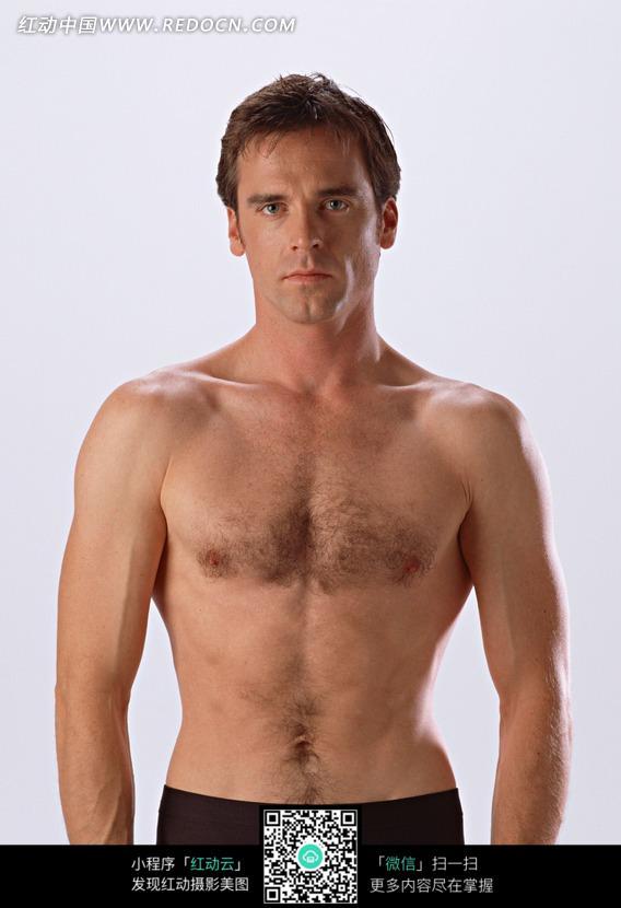 身材健美的外国男人图片