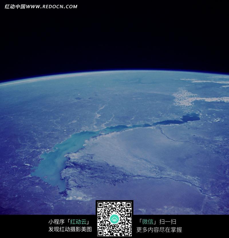 卫星拍摄的地球表面图片