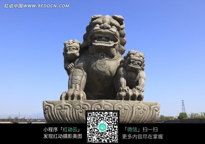 北京卢沟桥上的石狮子正面图片图片