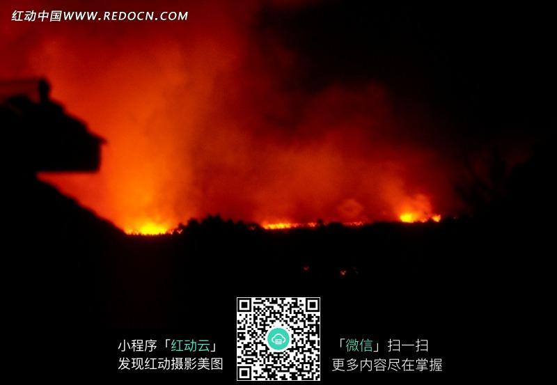 免费素材 图片素材 自然风光 自然风景 黑夜中发光的火山熔岩  请您