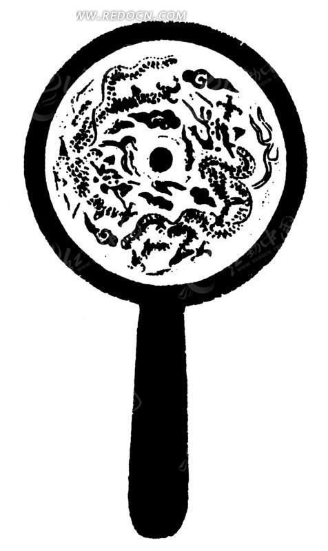 手绘祥云间的两条追逐的飞龙铜镜黑白图案
