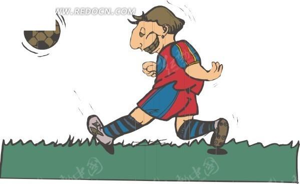 小孩草地上踢球