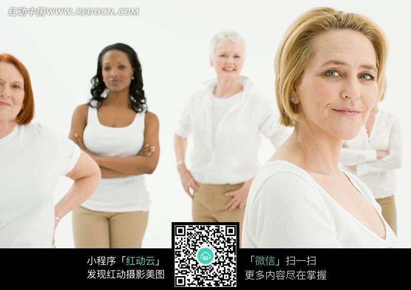 生活照片 生活图片;; 一群微笑的外国中老年女士