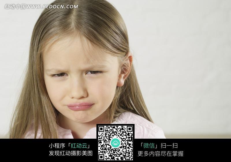 撇嘴哭泣的外国小女孩图片编号:1601871 日