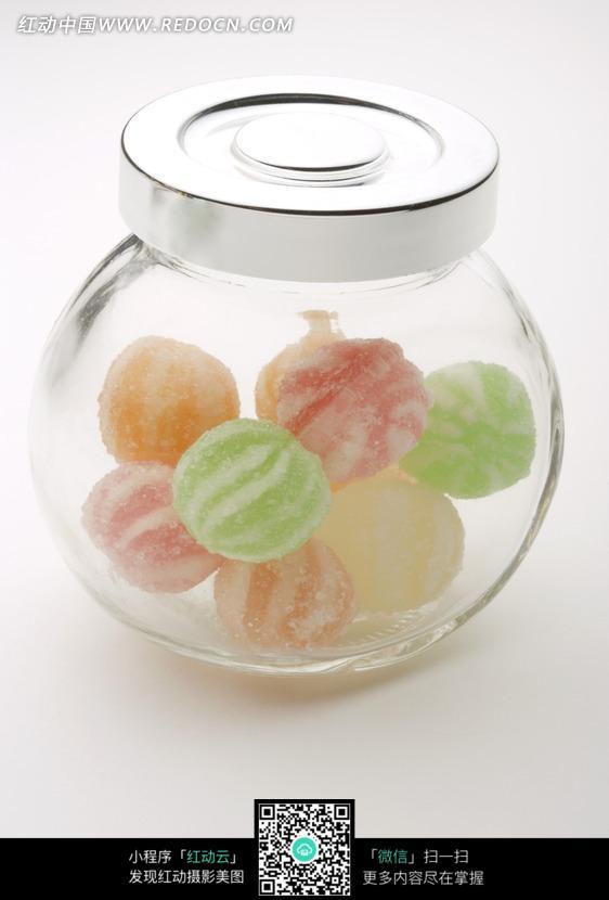 玻璃罐子里的彩色糖果
