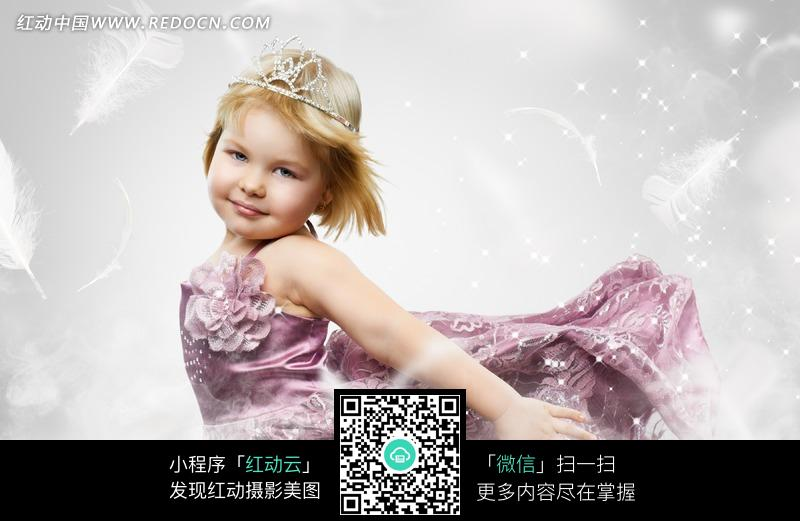 可爱金发小公主图片_儿童幼儿图片