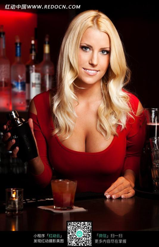 图片里的女性性感美女女人_图片酒吧外国陶洋性感写真图片