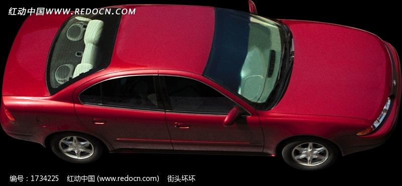 一部红色鸟瞰汽车图片