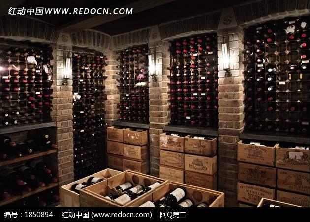 红酒酒窖特写