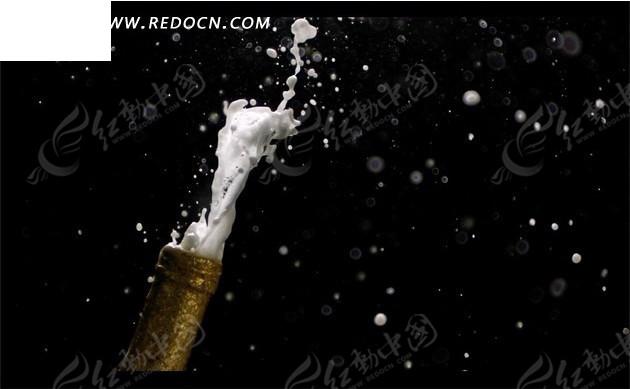 开啤酒喷涌的白色泡沫mov素材免费下载_红动网