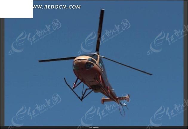 天空中悬浮的直升飞机