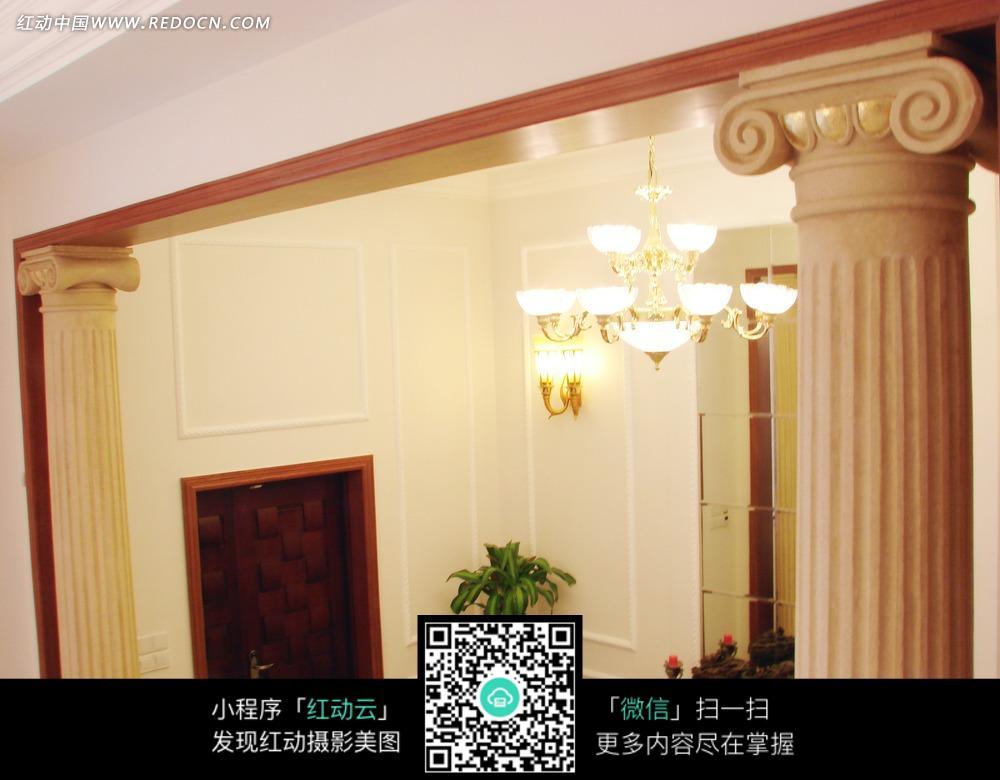 水晶吊灯 灯饰 绿色植物 欧式柱子 室内设计 家装设计 装饰效果图