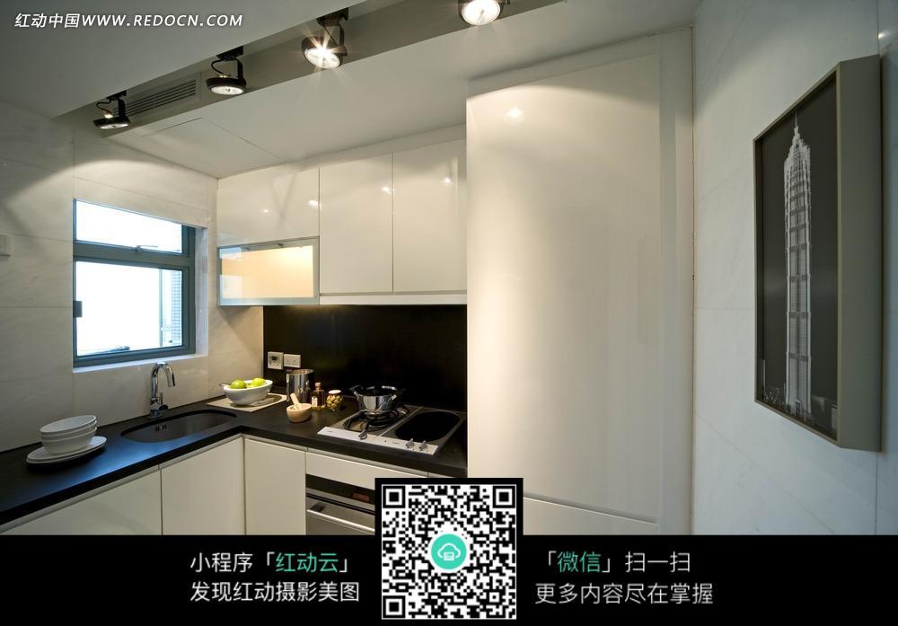 橱柜      家具 冰箱 灶具 室内装饰 室内设计 装饰设计 装饰效果图