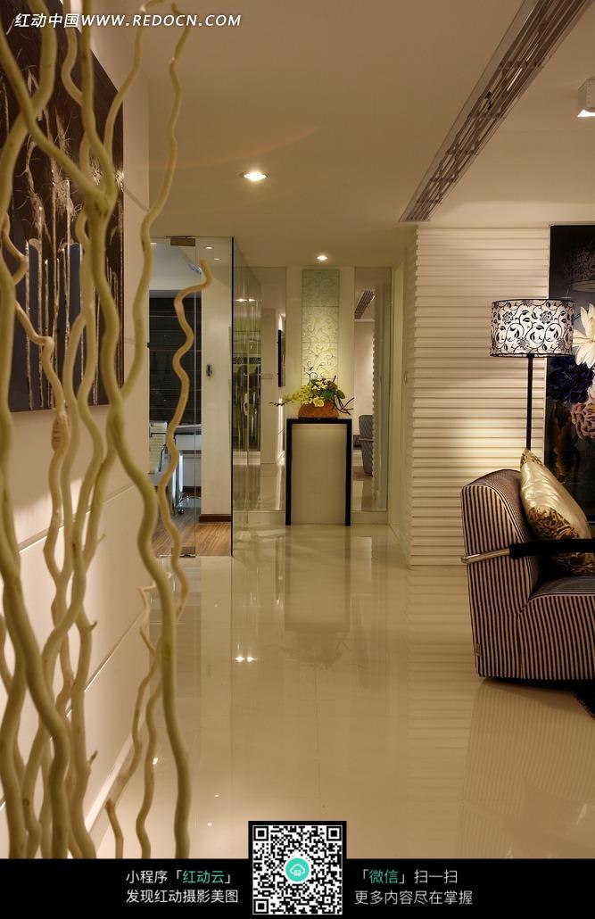 免费素材 图片素材 环境居住 室内设计 客厅一角的卷曲树枝装饰  请您
