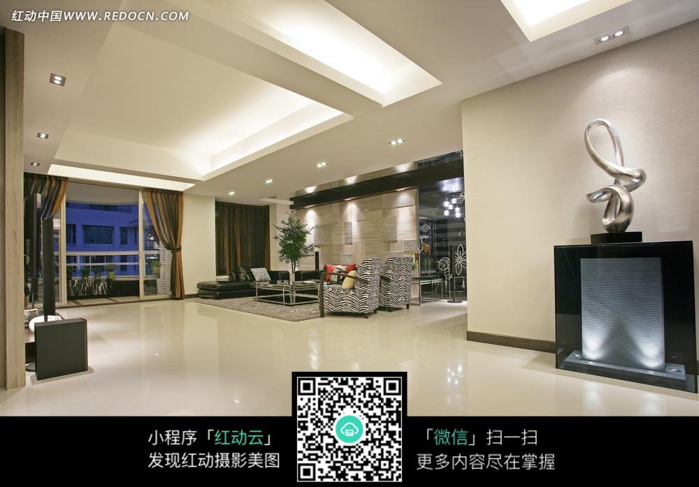 银色雕塑 沙发 茶几 宽大      豪华 室内设计 装修 现代  室内设计