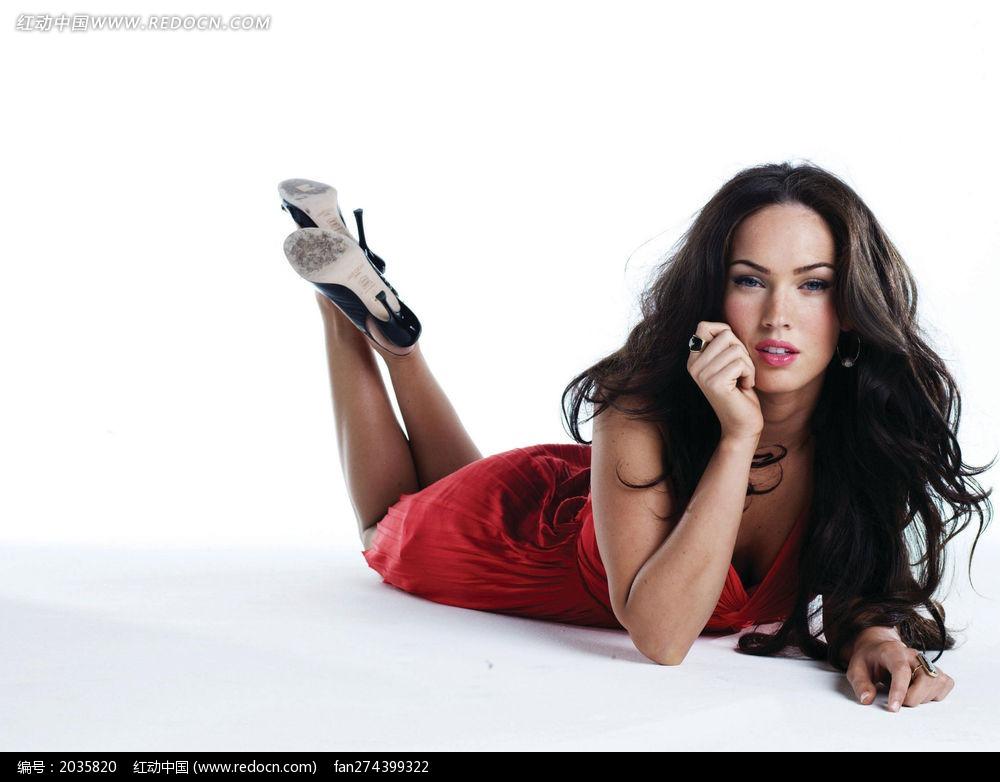 趴着的总裁图片梅根福克斯美女_美女明星图片陈扬外国侍卫名人图片