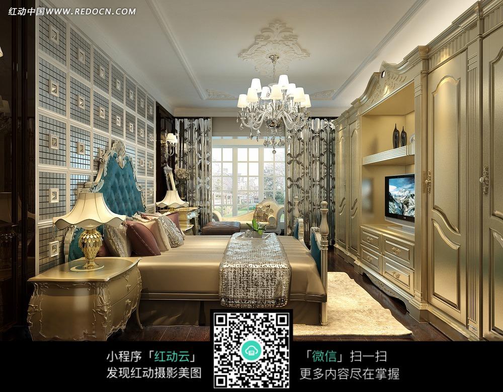 豪华卧室内欧式床头柜和水晶吊灯图片