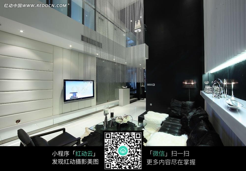 中空客厅沙发背墙隔断方向的装修效果图片高清图片