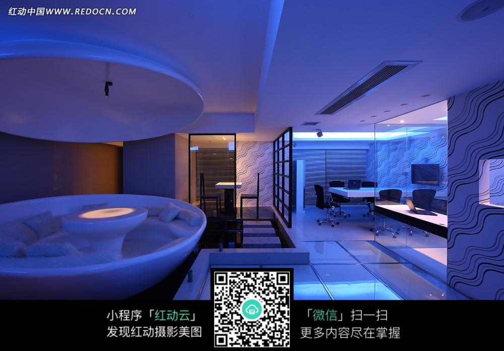蓝色系时尚室内空间设计图片