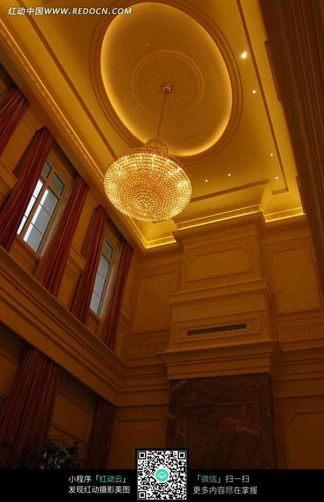 精美的水晶吊灯特写图片_室内设计图片