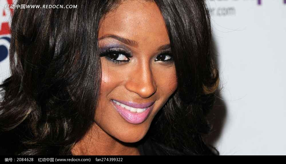 微笑的外国黑人美女席亚拉图片