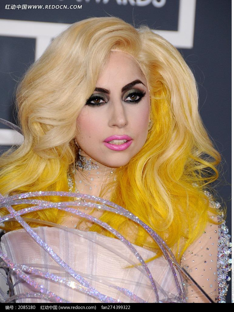 染着黄发的外国美女lady 竖