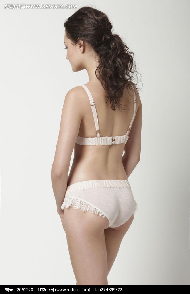 穿白色小褶边内衣的外国美女背影