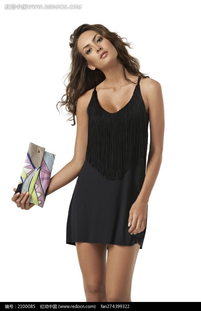 穿黑色超短裙的外国美女图片