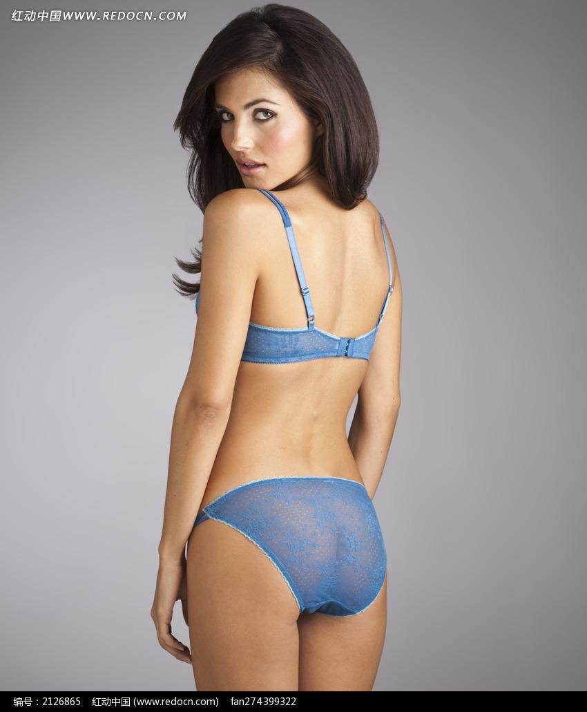 穿蓝色半透明内衣回头的外国美女图片