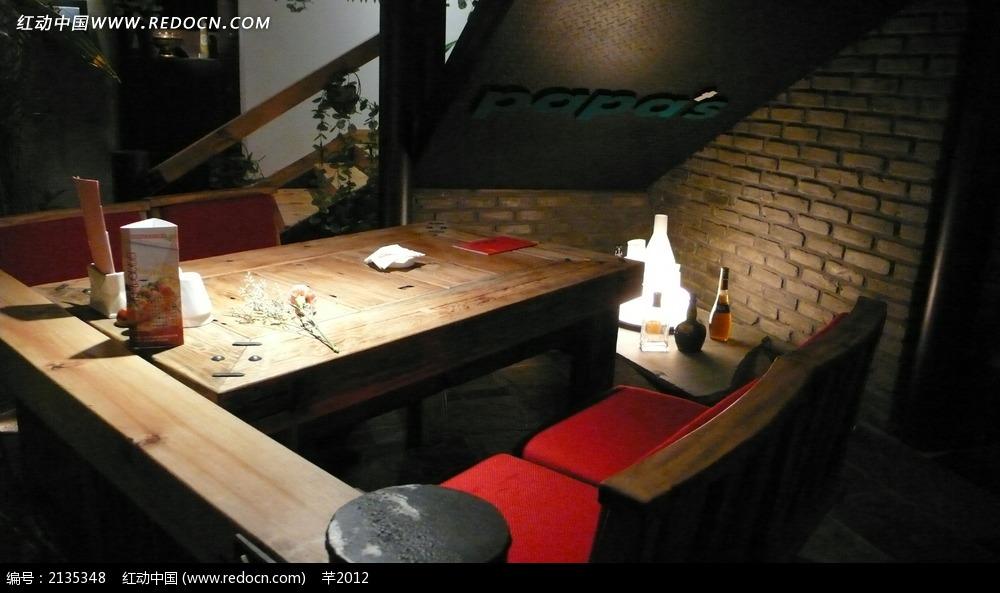 酒吧木制餐厅效果图图片