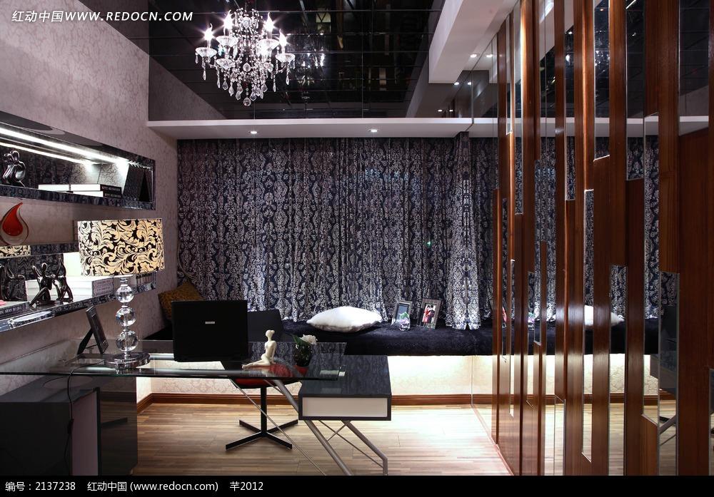 欧式简约办公桌陈设图图片_室内设计图片