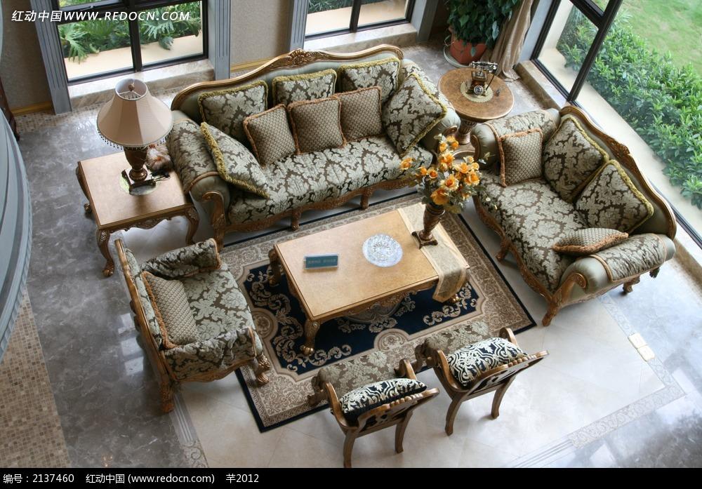 别墅一层客厅俯视效果图