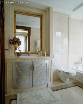 欧式简约洗手间设计图