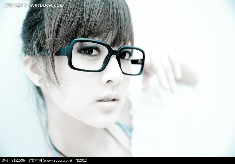 像素眼镜qq头像