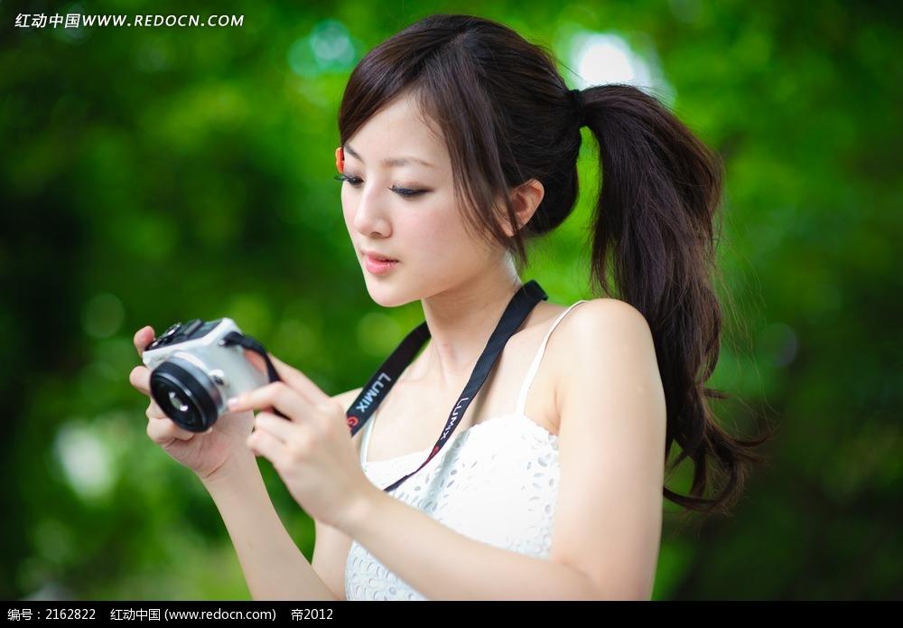 相机和美女写真v相机被美女踩蛋图片