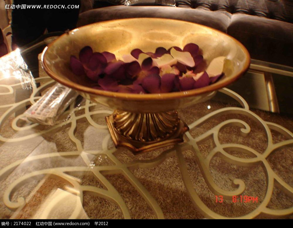 欧式餐具花盆摄影图片
