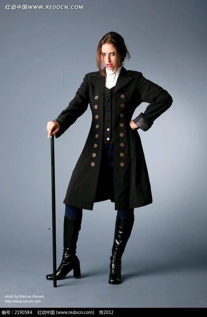 穿黑衣双牌扣拿手杖的美女JPG图片免费下载 红动网