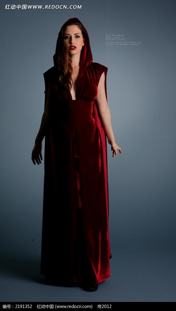 免费素材 图片素材 人物图片 人体摄影 穿着红裙子的美女正面摄影图片