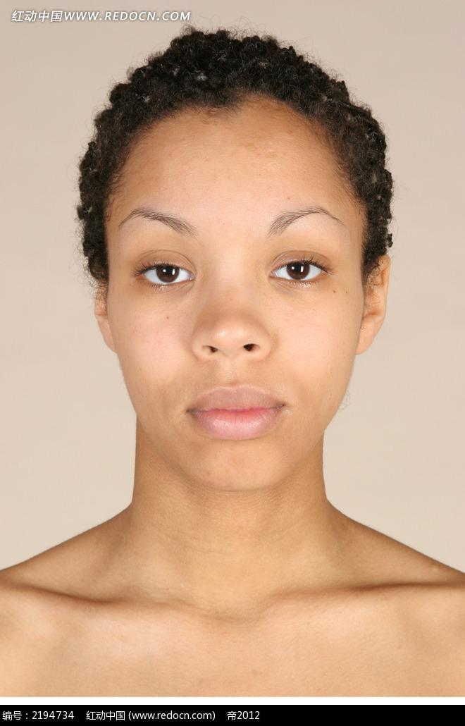 外国美女头部颈部正面特写jpg图片