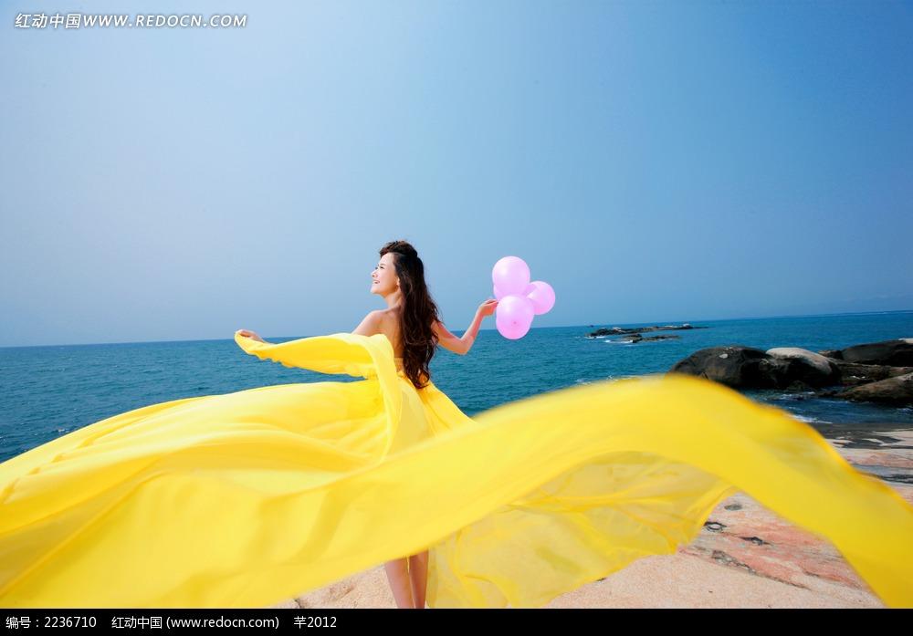 海边裙子飞扬美女jpg图片