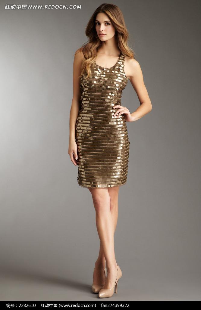 穿亮金色短裙的外国美女图片
