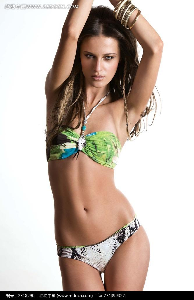 美女/双手举在头上的外国泳衣美女