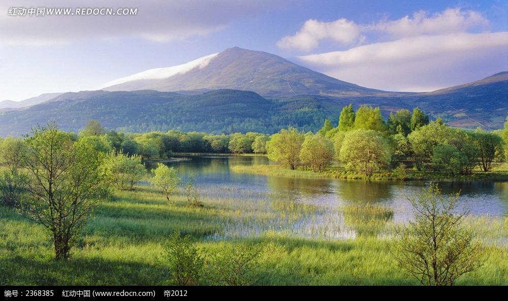 绿色山坡自然风景壁纸